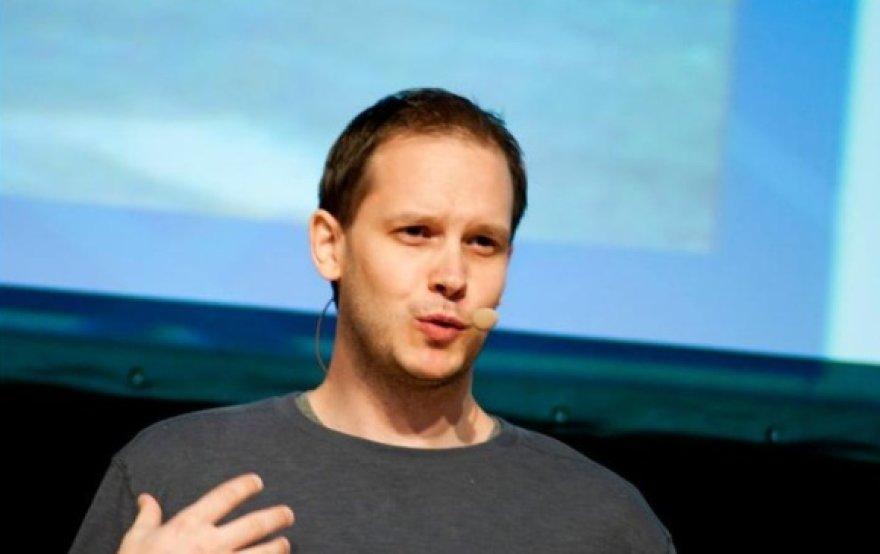 """Vienas iš """"The Pirate Bay"""" įkūrėjų Peter Sunde konferencijoje """"Login 2011"""" Vilniuje"""