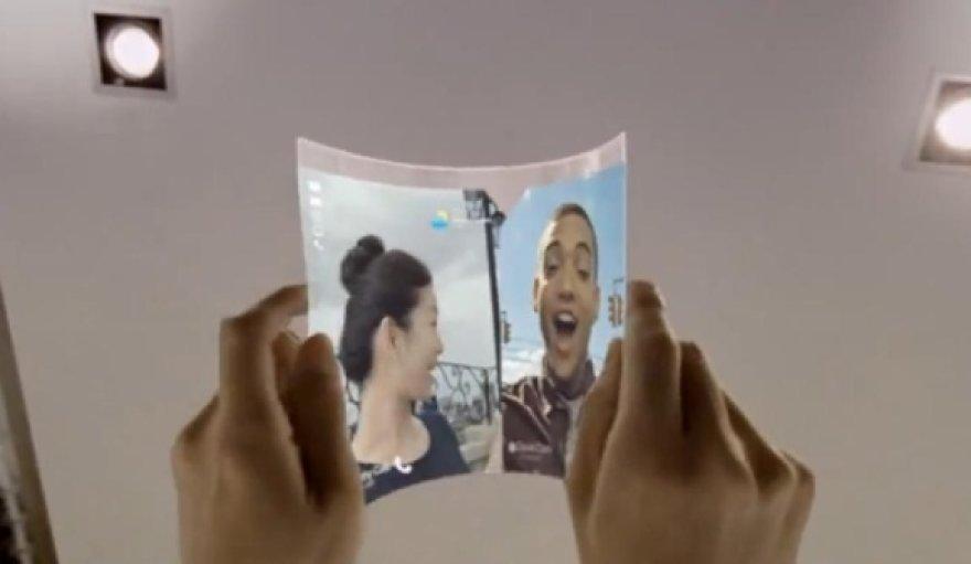 """Taip ateities planšetinius kompiuterius įsivaizduoja """"Samsung""""."""