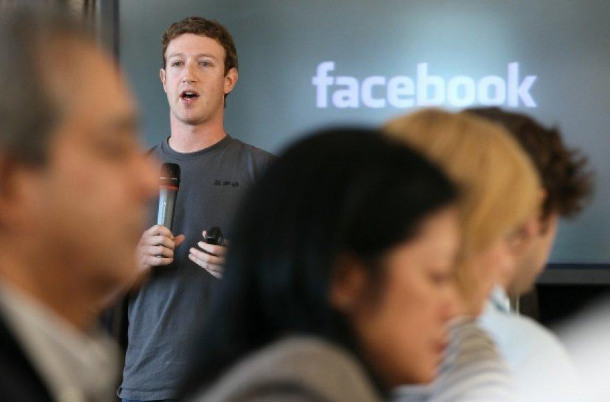 """Kompanijos """"Facebook"""" įkūrėjas Markas Zuckerbergas."""