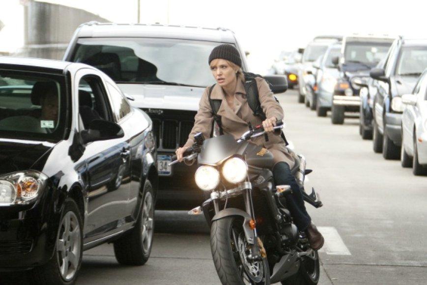 "Filme ""Druska"" A.Jolie teko CŽV agentės vaidmuo"