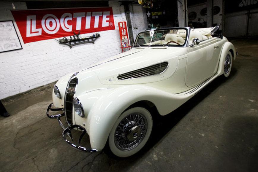 Per 70 atkaklių ir talentingų Lietuvos specialistų nuo nulio pagamino pavyzdžių neturintį vienetinį automobilį.