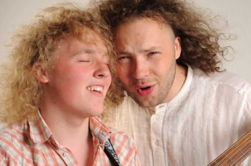 Donatas ir Saulius Petreikiai - broliai, pristatantys naują muzikinį projektą