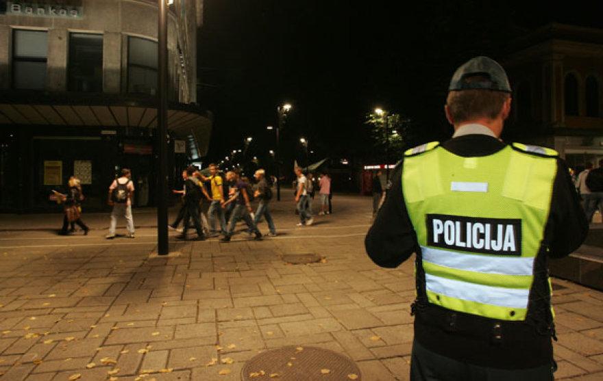 Kauniečių džiaugsmą akylai sekė policijos pareigūnai