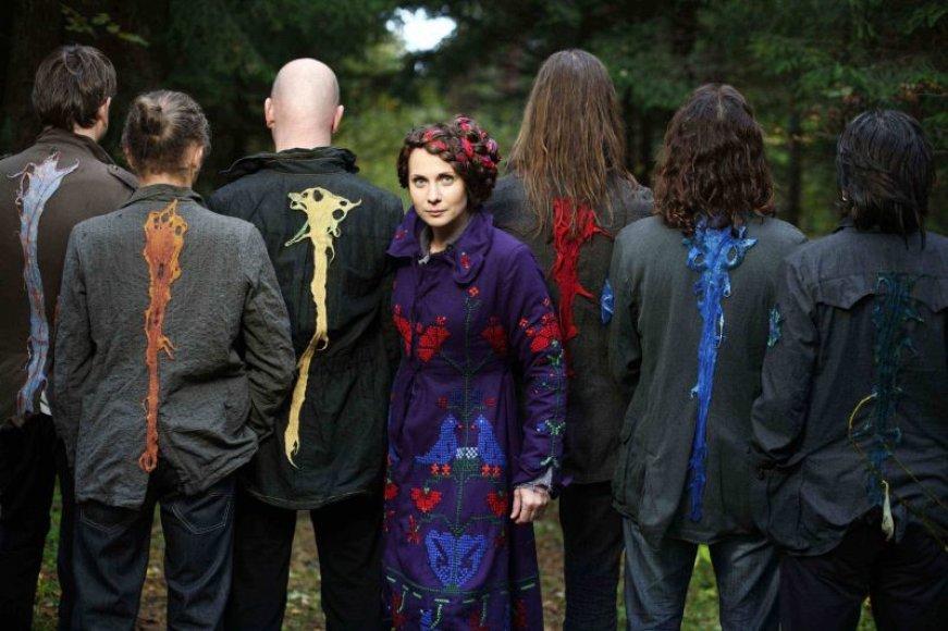 """Grupė """"Skylė"""" ir Aistė Smilgevičiūtė naują albumą """"Broliai"""" pristatys šeštadienį """"Combo""""."""