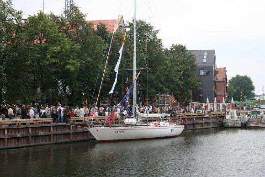 """Jachta """"Lietuva"""" šiemet mini dvidešimtąsias žygio per Atlantą metines."""