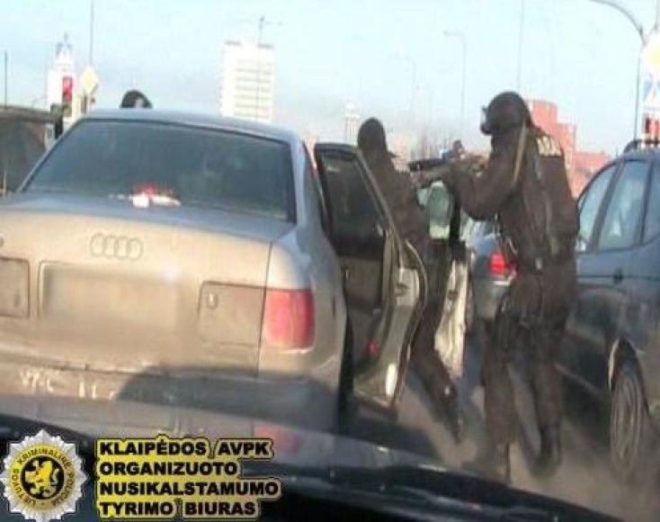 Plėšikų gauja bandė gauti už pagrobtą automobilį išpirkos.