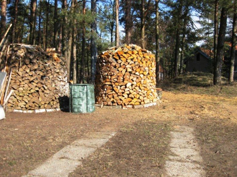 Klaipėdiečiams bus išdalytos kompostavimo dėžės.