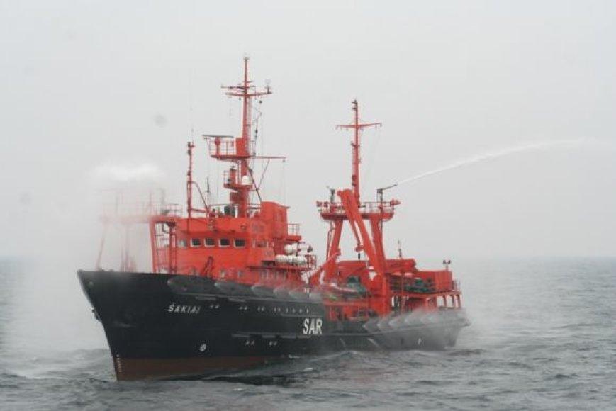 """Karinių jūrų pajėgų laivas """"Šakiai"""" dalyvauja pratybose."""