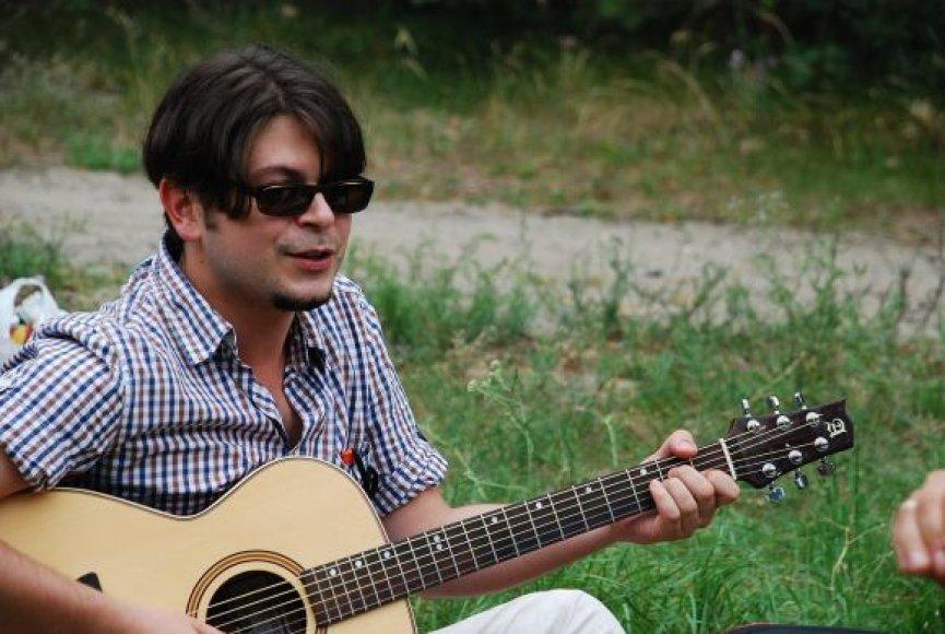 Dainuojamosios poezijos mėgėjai savaitgalį rinksis Giruliuose.