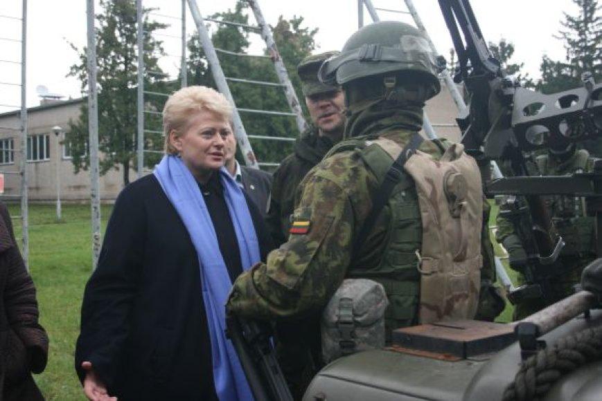 """Antradienį tarptautinėse pratybose """"Šakalo akmuo"""" lankėsi prezidentė D.Grybauskaitė."""
