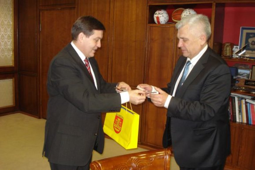 Klaipėdos savivaldybėje lankėsi Ukrainos ambasados konsulas Serhij Popyk.