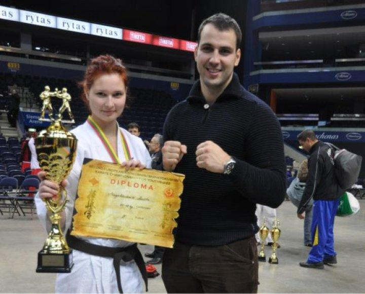 Rosita Magelinskaitė Europos čempionate iškovojo bronzos medalį.