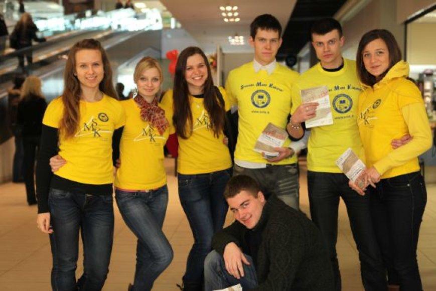 Socialinių mokslų kolegijos studentai kviečia moksleivius sudalyvauti dviejuose naujuose konkursuose.