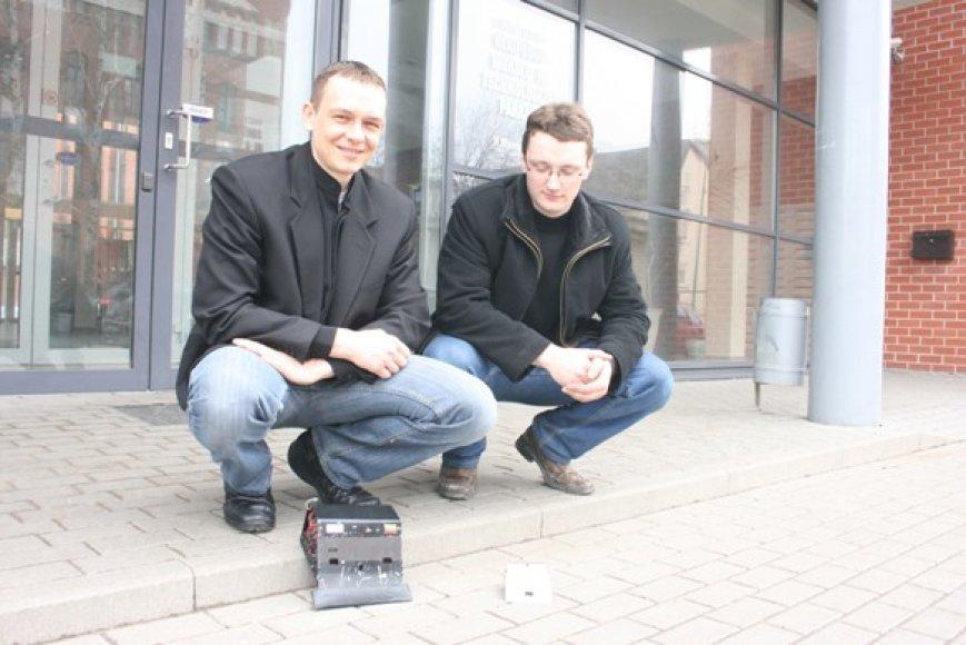 Klaipėdiečių Vitalijaus ir Egidijaus sukurti robotai Austrijoje susišlavė laurus.