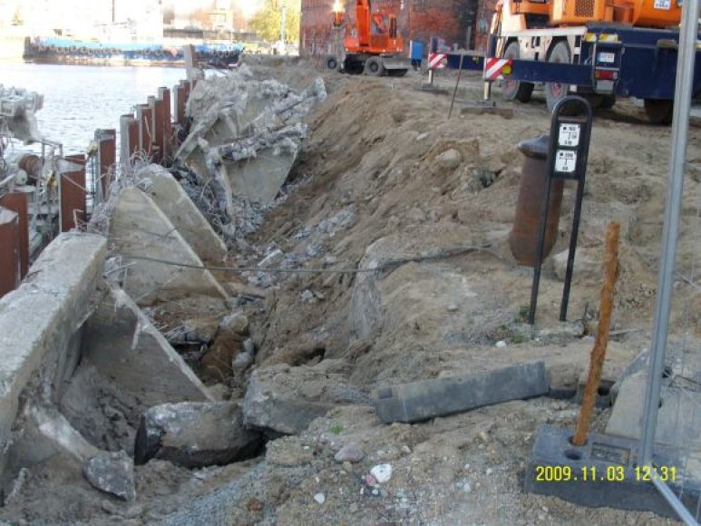 Darbai krantinėje sustabdyti, kol archeologai ištirs šią vietą.