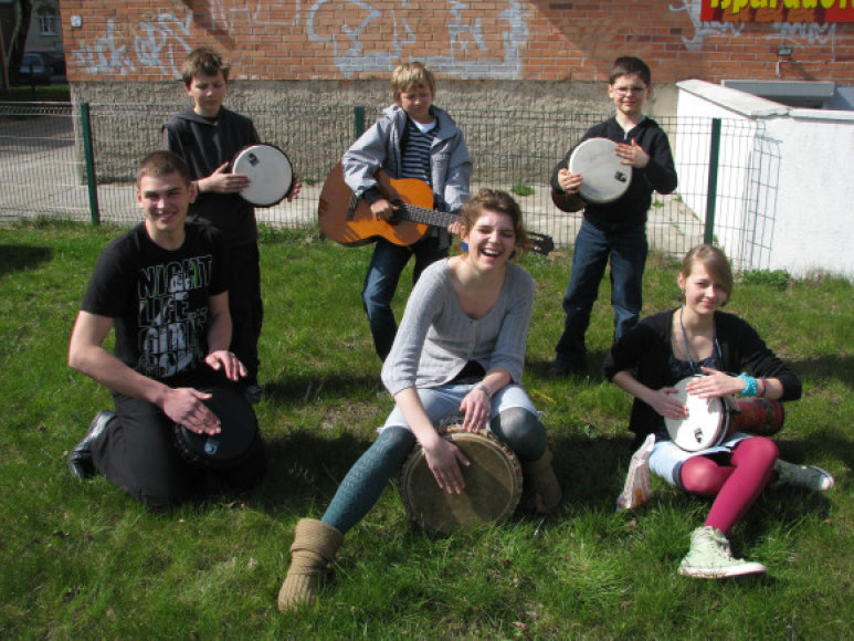 """""""Grock"""" studijos auklėtiniai Gatvės muzikos dienos renginyje dalyvauja kasmet. Šiemet muzikuoti ketina apie šimtas jaunųjų studijos muzikantų."""