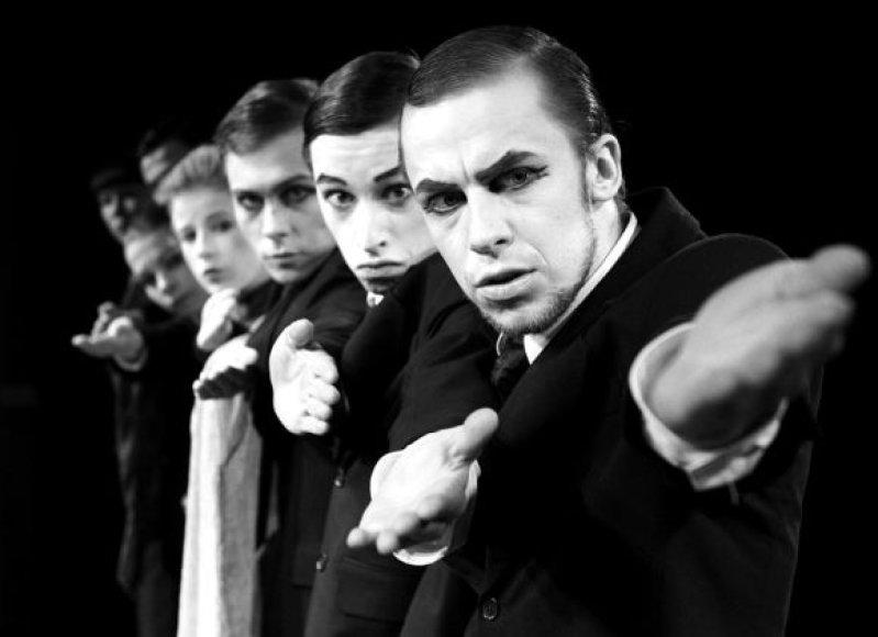"""Šeštadienį Klaipėdoje viešės G.Varno aktorių teatras-judėjimas """"No Theatre""""."""