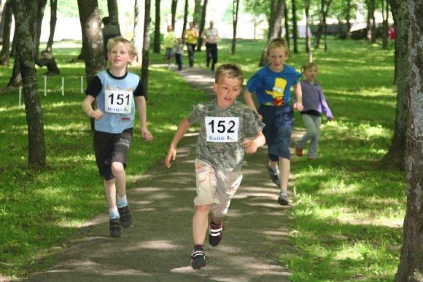 Bėgime varžėsi daugiau kaip 120 dalyvių.