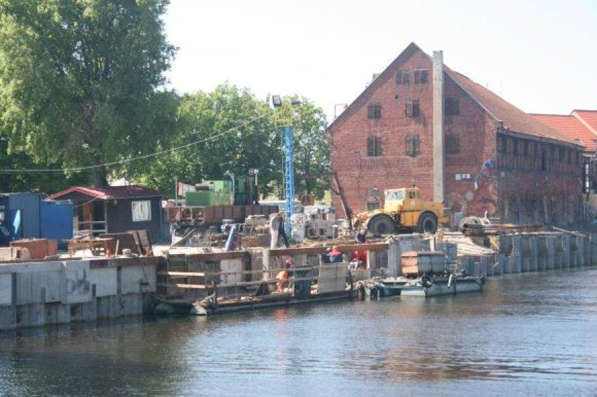 Krantinės anapus Danės bus sutvarkytos tik rugsėjį.