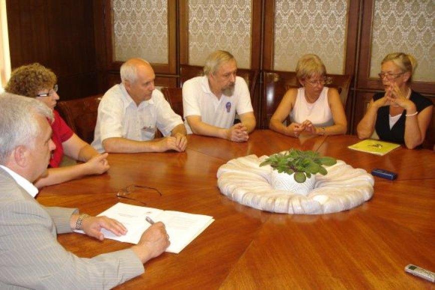 meras Rimantas Taraškevičius pasirašė Zagrebo deklaraciją, kurioje išdėstyti miesto nario įsipareigojimai.