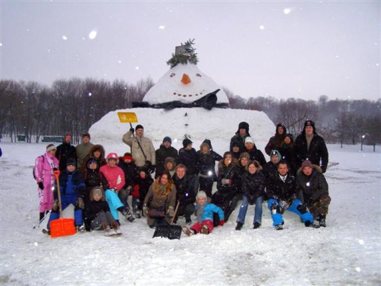 Sniego senio lipdymo darbai