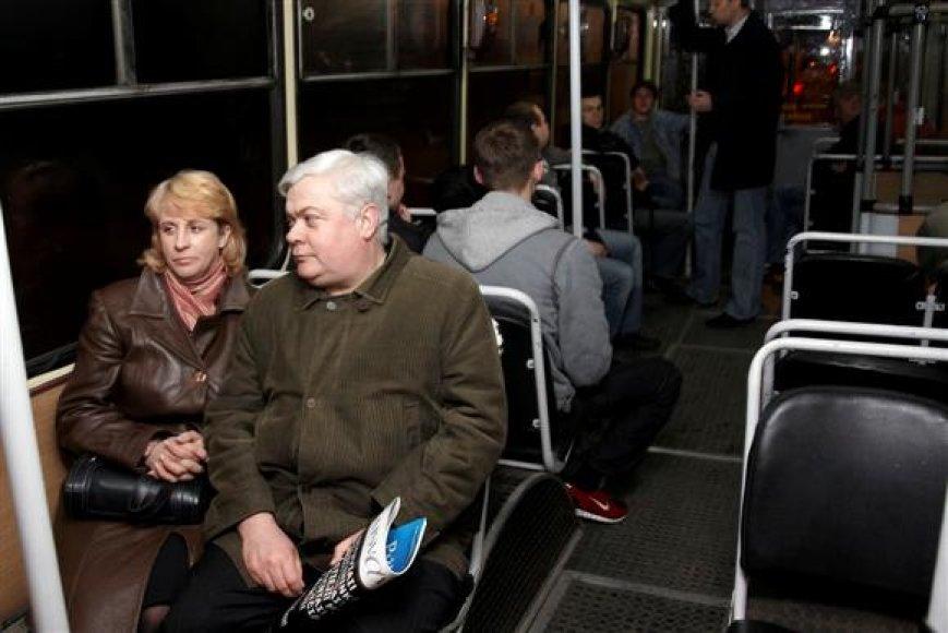 Prieš porą metų kursavusiu naktiniu troleibusu miestiečiai naudojosi noriai – žmonėms, iš miesto centro susiruošusiems į namus, nereikėdavo naudotis taksi paslaugomis.