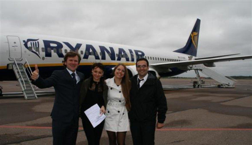 """""""Ryanair"""" Kaune pervežė jau 2 milijonus keleivių."""