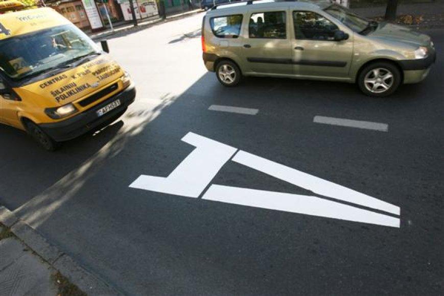 Kęstučio ir K.Donelaičio gatvės jau pažymėtos viešajam transportui skirtos juostos simboliais.