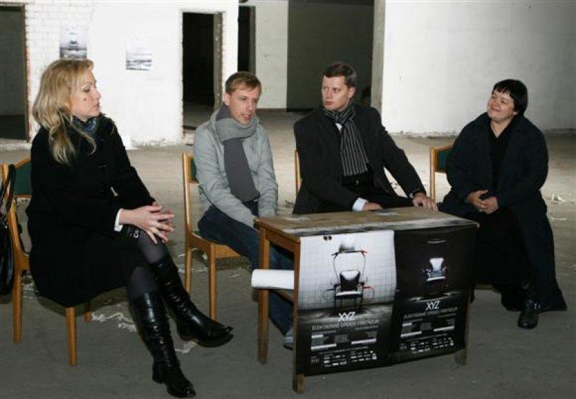 Tiek Kaune gimusi ir užaugusi operos solistė J.Paškevičiūtė (kairėje), tiek kaunietis Mario Basanov (antras iš kairės) tvirtino, jog pasirodymas gimtajame mieste jiems bus ypatingas.