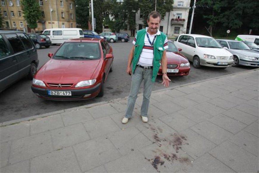 Į nelaimės vietą atskubėjęs V.Ivanauskas nespėjo padėti savo kolegai – V.Levoką sutalžę broliai jau buvo pasprukę.