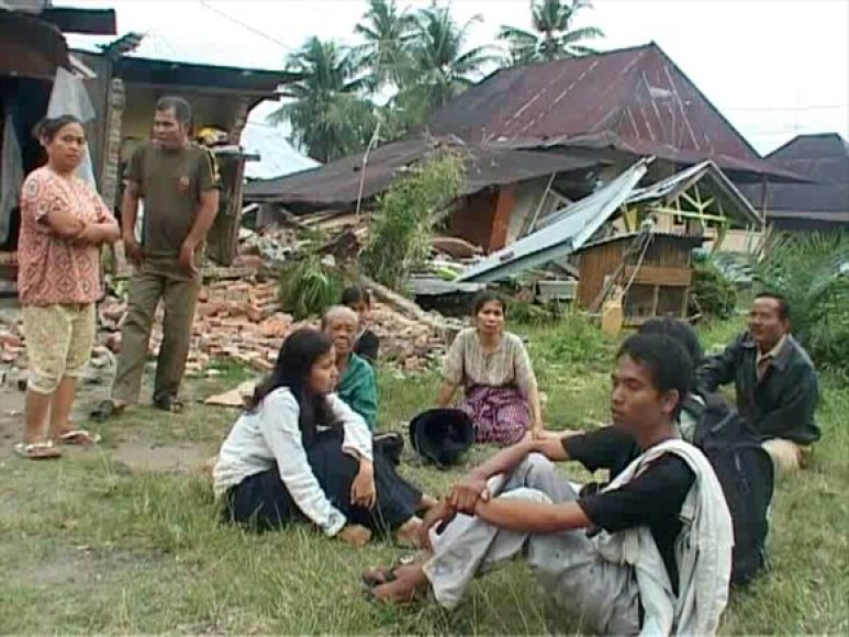 Indoneziją paralyžiavo antras žemės drebėjimas