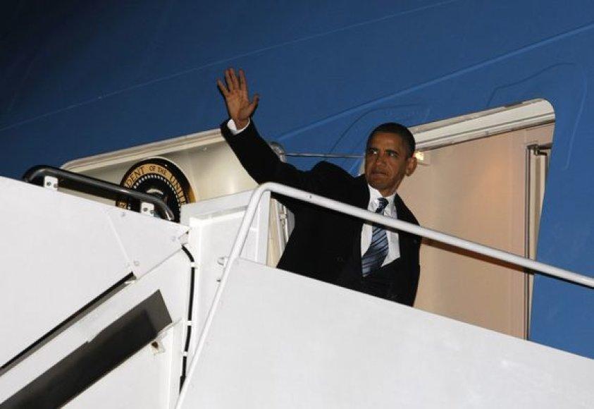 B.Obamos išvykimas iš JAV