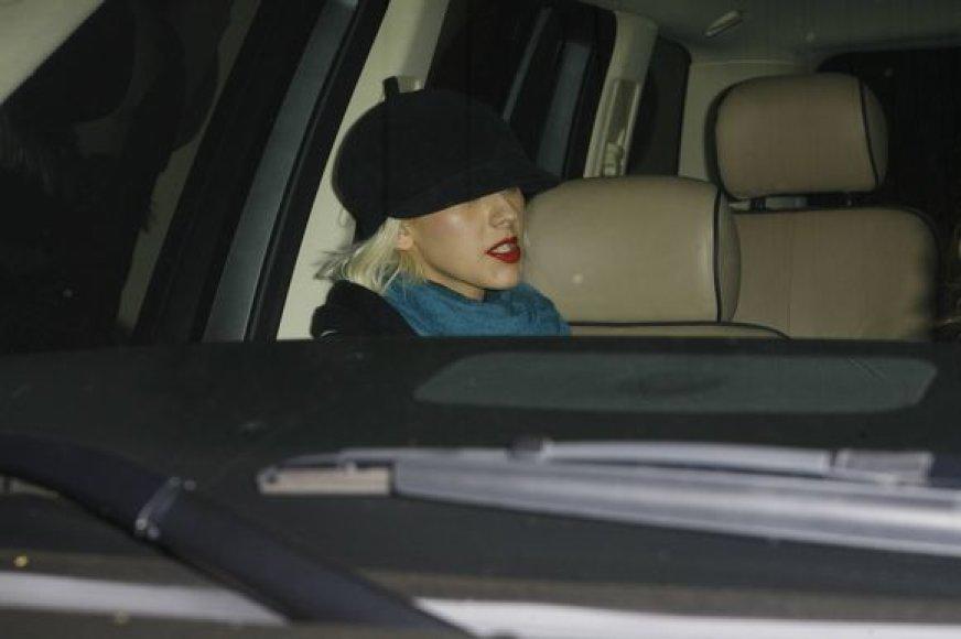 Christina Aguilera su draugu avarijos vietoje