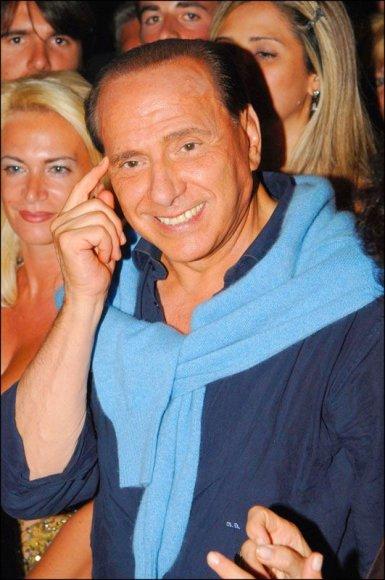 Foto naujienai: Silvio Berlusconi: valdžia, seksas, pinigai