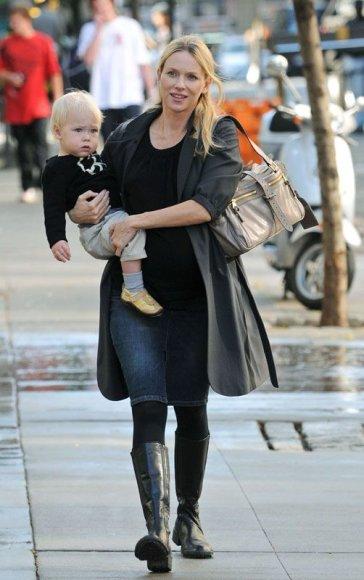 Foto naujienai: Naomi Watts susilaukė sūnaus