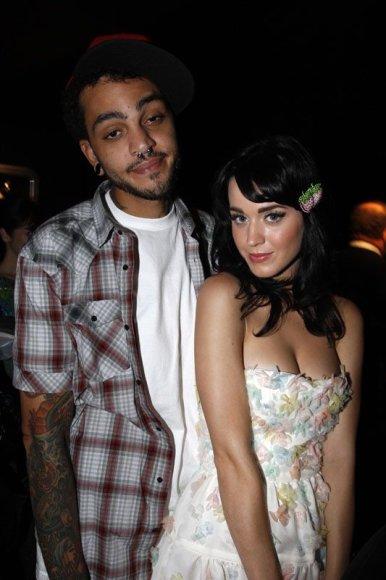 Foto naujienai: Katy Perry susižadėjo!