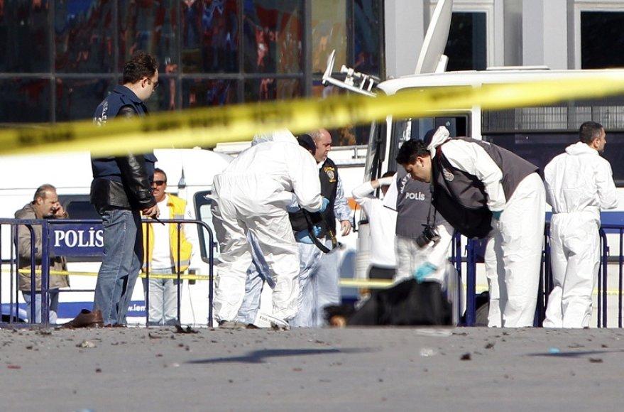 Stambulo Taksimo aikštėje sekmadienį nugriaudėjo sprogimas.