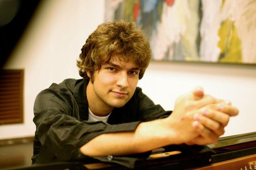 Pianistas Lukas Geniušas