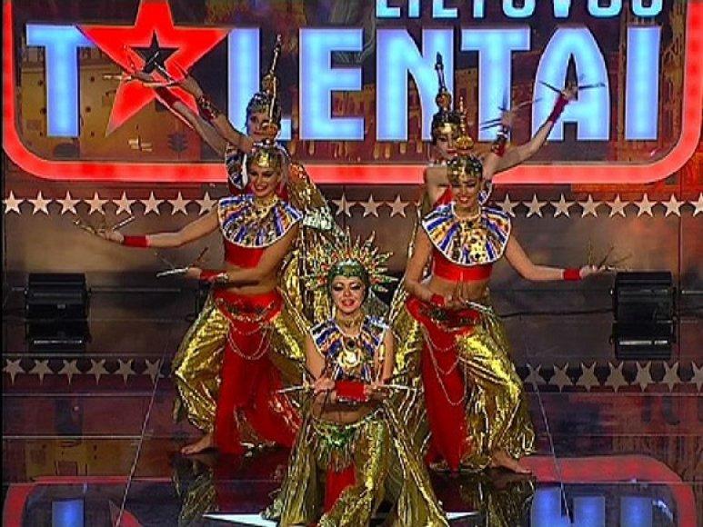Eegzotinių šokių šokėjos