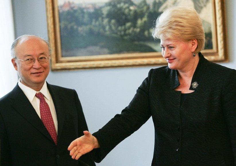 TATENA generalinis direktorius Yukiya Amano ir šalies vadovė Dalia Grybauskaitė