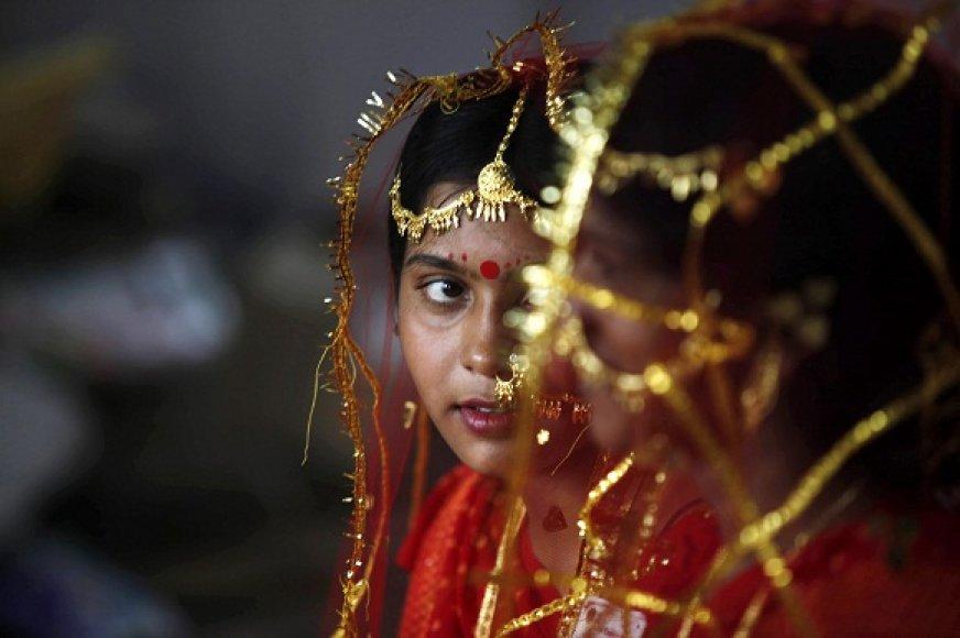Indijoje 18-os nesulaukusios mergaitės dažnai ištekinamos už keleriais metais vyresnių vyrų