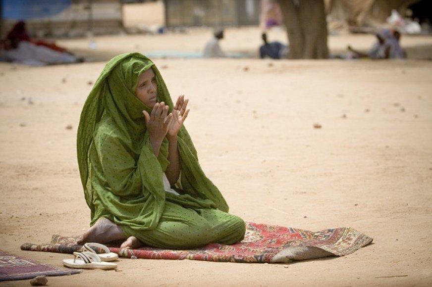 Darfūre moterys patyrė siaubingą prievartą