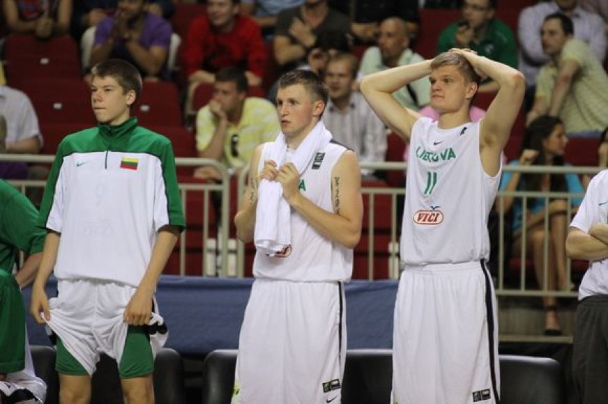 Lietuvos krepšinio rinktinė turėjo verstis be R.Jakšto ir R.Giedraičio.