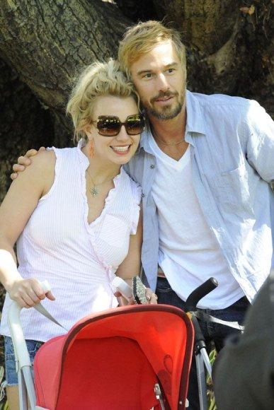 Popprincesė Britney Spears su draugu