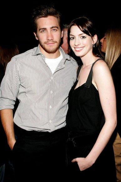 Jake'as Gyllenhaalas ir Anne Hathaway