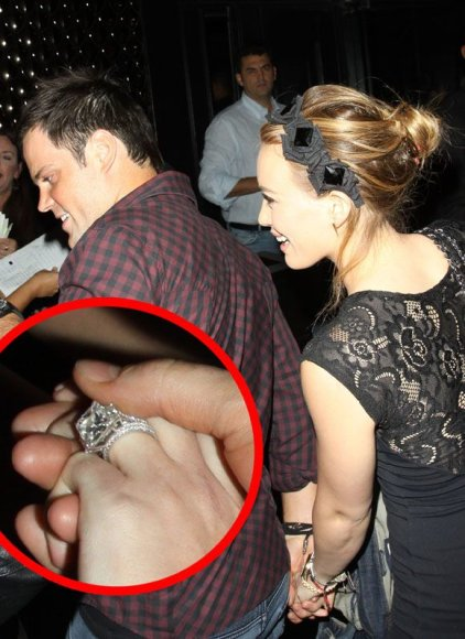 Hilary Duff ir Mike'as Comrie