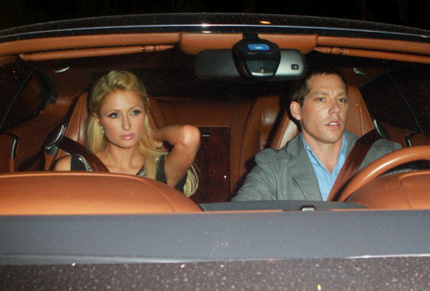 Paris Hilton su dabartiniu vaikinu Cy Waitsu