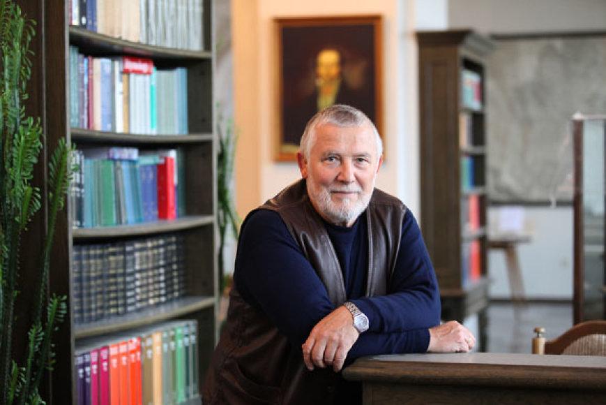Profesorius Albinas Bagdonas