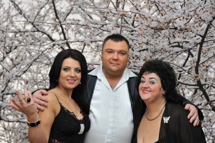 Monika ir Vitalija Katunskytės su Eugenijum Ostapenko