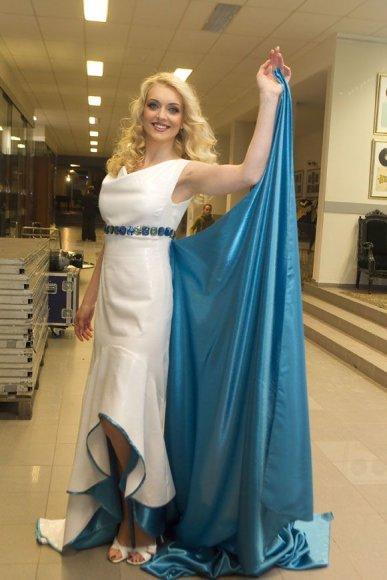 Rūta Ščiogolevaitė su Kristinos Kaikarienės sukurta suknele